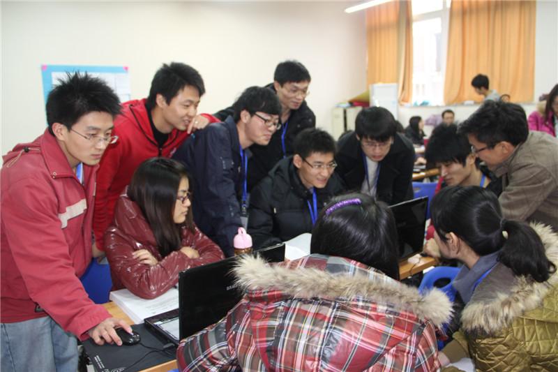 杨攀的《校园图片展示系统》获重庆市高校第五届数据库应用程序设计